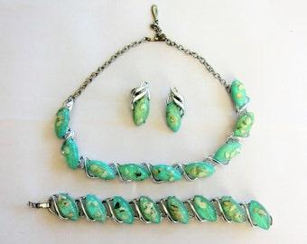 Vintage 1950s Demi-Parure Set in Aquamarine Confetti Lucite / 50s Green Blue Necklace Bracelet Clipon Earrings Set with Abalone Chips