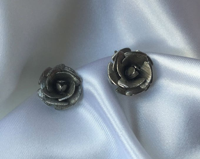 70s silver rose clip on vintage earrings jewelry sculptural 3D unique rare gift present studs round big clip-ons