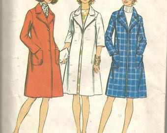 1970s Women's Lined Coat Clutch or Button Closing Look Slimmer Simplicity 5526 Uncut FF Size 18 Bust 40 Women's Vintage Sewing Pattern