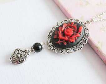 Red rose necklace, victorian style necklaces, ren faire style jewelry, cosplay style, Renaissance style, vintage style, for her
