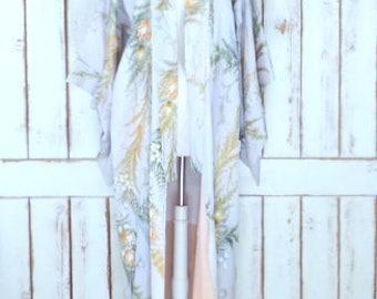 Vintage Japanese metallic floral kimono robe/traditional Japanese long kimono/cardigan kimono