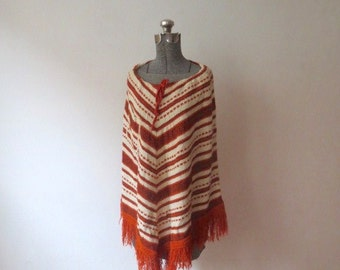 Vintage '70s Saks Fifth Avenue Rusty Knit Boucle Drawstring Poncho w/ Pocket and Tons of Fringe!