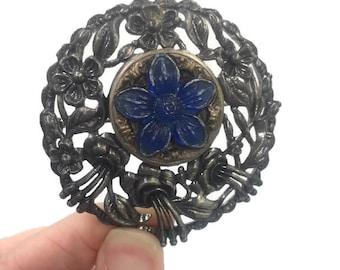 Perfume Cake Pendant Brooch Pot Metal Art Deco Vintage Jewelry Molded Plastic Blue Flower