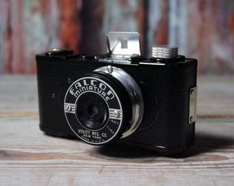 Vintage Falcon miniature snapshot camera