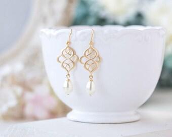 Matte Gold Celtic Knot Earrings Filigree Cream White Teardrop Pearl Dangle Earrings Wedding Bridal Earring Eternity infinity jewelry