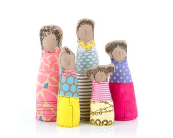 Soft sculpture family dolls for Dollhouse ,modern african parents & 3 children- Yellow, pink,blue geometric clothes, 12th scale Miniature