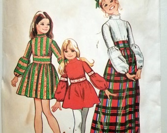 Simplicity 5169 Size 10 Sewing Pattern Girls Puffy Sleeve Dress 1972 Cut