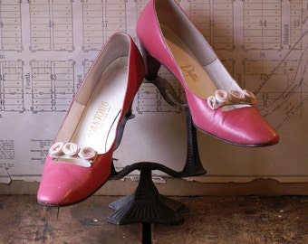 Vintage Women's Pink Pumps with Fabric Rosettes - Low Heel from D'Antonio New York - Size 8 1/2 AAA
