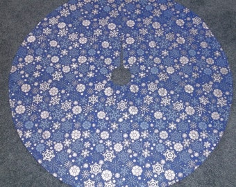 """Handmade quilted blue silver snowflake Christmas Tree Skirt 35"""""""