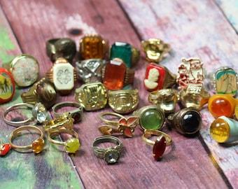 1 Vintage Bubblegum Prize Ring