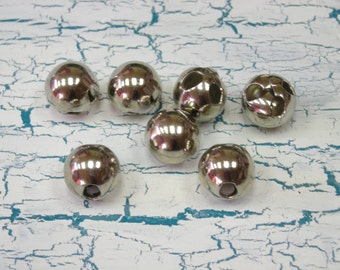 7 Round Metal Silvertone Ball Buttons