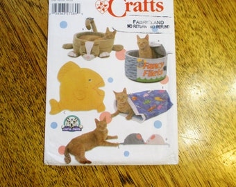 DESIGNER Cat Accessories - CUTE Tin Can Cat Bed, Crinkle Bag, Fish Mat, Toy Mouse - UNCUT ff Sewing Pattern Simplicity 5233
