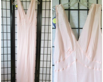 Vintage Negligee DEADSTOCK Soft Peach Pink Rayon 1930s 1940s Maxi Lounging Gown Full Length Bias Cut 36 37 M L NOS