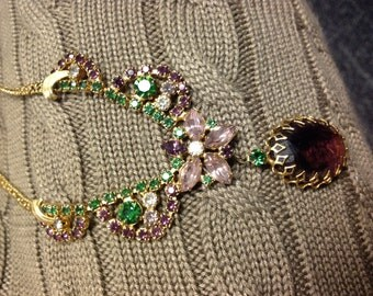 Absolutely Lovely Vintage Goldtone Dangle Necklace  Amethysist & Emerald Colored Stones