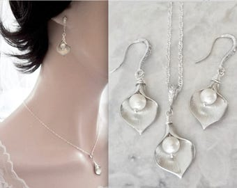 Calla Lily earrings and necklace set, Freshwater pearl set, Sterling, Brides jewelry set, Wedding jewelry set, High quality, Gift