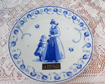 Vintage 1972 Royal Delft Holland Hindeloopen Mothers Day Plate MINT with Tags