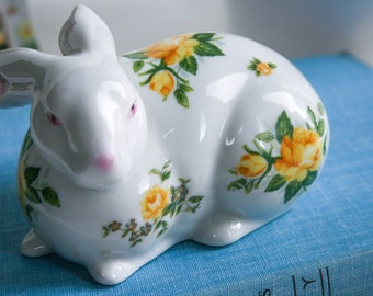 Vintage, Porcelain, White Bunny Rabbit Figurine, Adorned Yellow Roses, Napco, Made in Japan