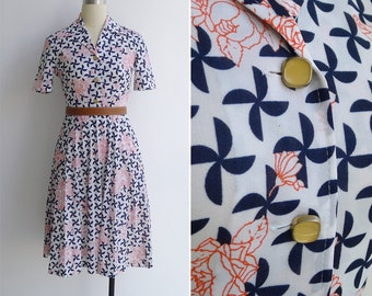 Vintage 70's 'Pinwheel Floral' Op Art Print Shirt Dress XS or S