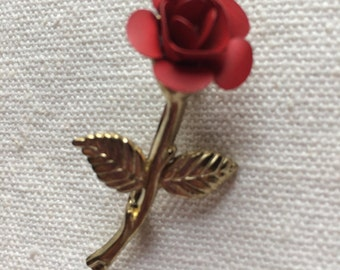 Pretty Vintage Red Rose Brooch