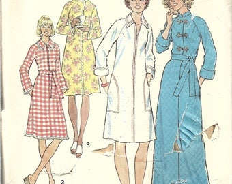 1970s Womens Robe Pattern, Bathrobe Pattern, Ankle Length, Long Robe, Duster or Housecoat Pattern, Raglan Sleeves, Size 14, Bust 36 Inches