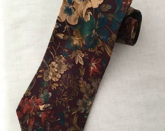 Vintage Gently Worn Bill Blass Silk Necktie Flower Print