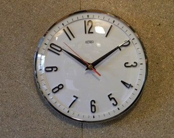 Metamec Vintage Kitchen Clock - Recycled Wall Clock - White Wall Clock