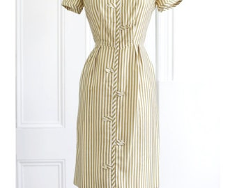 SILK Fitted Wiggle Dress., 50's Vintage Pencil dress. // Stripped Fitted Shift Dress in Neutral Golden.// Size Small. 26 inch Waist.