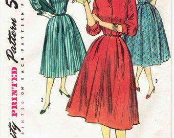 50s Dress Pattern Simplicity 1749. Shirtwaist Dress with Full Soft Pleated Skirt, Bow Tie Collar, Cuffed Sleeve Options. Size 14 Bust 34