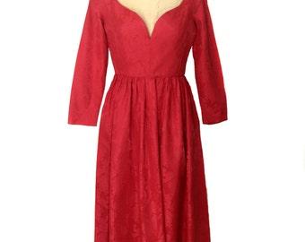 vintage 1960's red floral dress / brocade / cocktail dress / holiday dress / sweetheart neckline / women's vintage dress / size medium