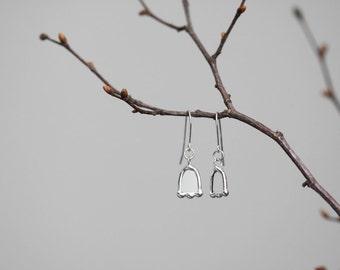 Flowers  . Glass and sterling silver earrings. Transparent earrings. Glass earrings. Contemporary jewelry. Minimalist earrings