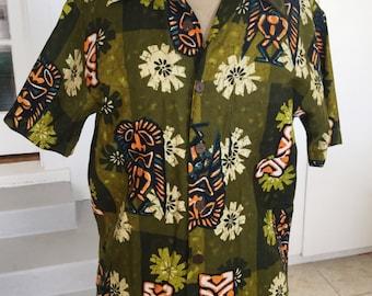 Vintage  Kings Road  mens hawaiian shirt with large tikis  size S