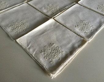 Six Vintage 40s Linen Flower Napkins