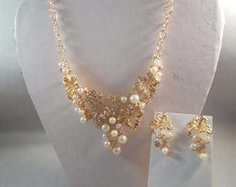 Gold Tone Pendant Necklace with White Pearles and Clear Rhinestones on a Gold Tone Chain and Matching Stud Earrings