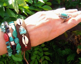 Rustic American Southwest Royston Turquoise Cowrie Shell Brown Suede Leather Hippie Cuff Bracelet