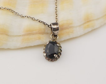 Tiny 925 Silver Oval Black Glass Faceted Pendant on Silver Chain Necklace