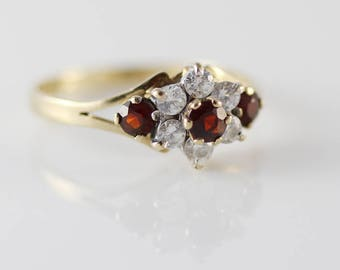 9ct Gold CZ Clear and Red Cluster Ladies Ring Size UK N 1/2  and US 7  Dates to 1985