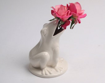 Frog Vase - Natural Ceramic Frog Vase - White Faux Taxidermy - Table Top Decor - Holiday Decor - Ceramic Frog Gifts Sculpture