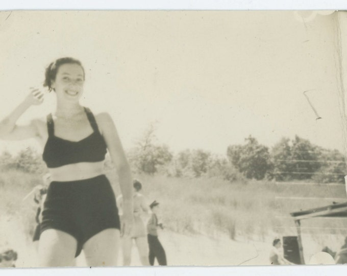 Vintage Snapshot Photo: Smiling Young Woman in Swimsuit, 1940s (612530)