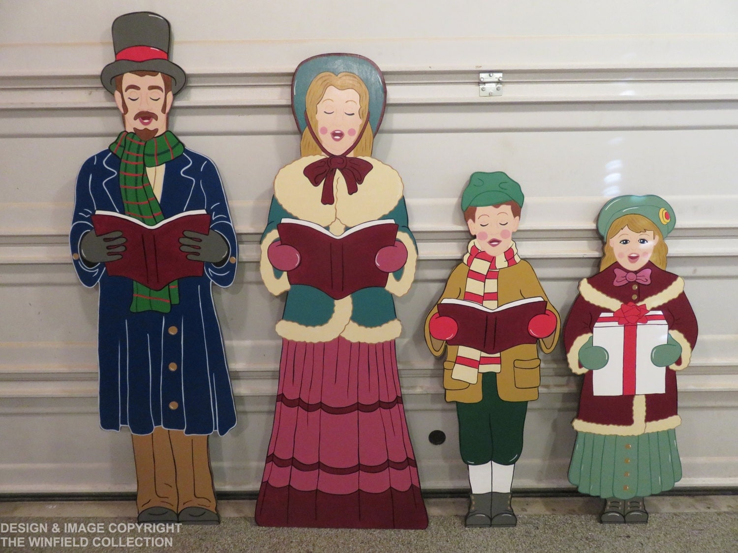 Christmas carolers wood outdoor yard art by chartinisyardart for Outside christmas figures
