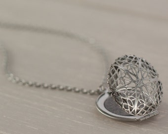 Essential Oil Locket, Stainless Steel Locket, Essential Oil Diffuser Necklace, Aromatherapy Necklace, Aromatherapy Jewelry, Diffuser Locket