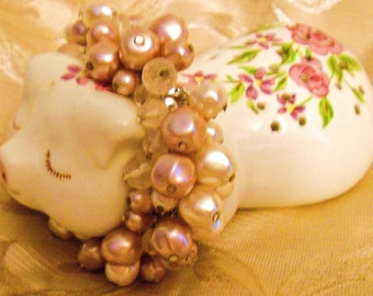 Vintage Liz Claiborne Freshwater Pearl & Crystal Bobble Dangle Bracelet Dusty Pink and Ivory Stretch Designer Bridal Jewlery Bracelet