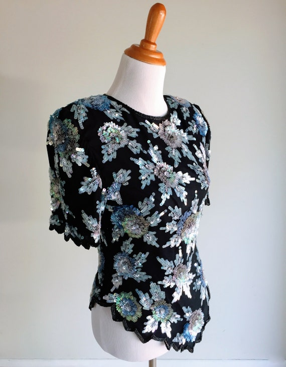 1980s Laurence Kazar Black and Blue Sequin Short Sleeve Beaded Vintage Top