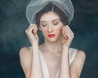 Tulle Blusher Bridal Veil, Mini Veil, Modern Veil, Simple Wedding Veil, Ivory Tulle Veil, White Veil, Short Tulle Veil, Birdcage Veil, LUCY