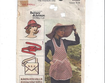 Butterick 3550 Pattern for Misses' Apron, Hats, Bat, Belt, Size Small 8 to 10, From 1970s, Betsey Johnson of Alley Cat, Vintage Pattern