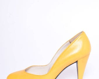 Vintage 80's Yellow  Real Leather Heels /  Yellow Genuine Leather Pumps