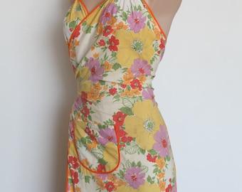 Gorgeous original vintage 1940s 1950s halter apron pin up