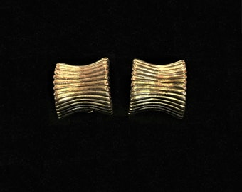 Signed Givenchy Earings 80s Statement Earrings Designer Paris New York Authentic Clip On Gold Tone Ribbed Square Sea Shell