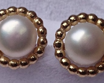 Real Pearl and gold stud earrings