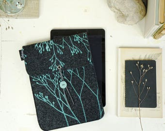 Vegan iPad Case, Mint on Dark Grey, Wild iPad sleeve, Felt Cover screenprinted, Nature Lover Gift, Tablet Cover, Student Gift ecofriendly