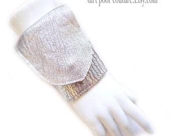 Leather | Womens Wallet | Wrist | Cuff | Wallet | Wrist Wallet | Silver